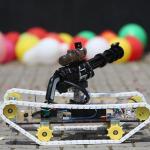 Lise öğrencisinden lazer güdümlü insansız tank prototipi