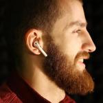 Rehber: Apple AirPods'un 7 can alıcı özelliği