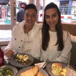 Amine Gülşe ve Mesut Özil'den 3 ayrı ülkede düğün hazırlığı