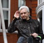 Büyükelçilikte yaşayan Assange gözaltına alındı
