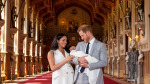 Meghan Markle ve Prens Harry bebeklerini basınla tanıştırdı