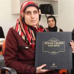 Görme engelli kızlar Kuran öğreniyor