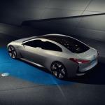 BMW, 700 km menzile sahip elektrikli otomobil geliştiriyor