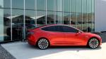Tesla, Model 3 teslimatlarının hızlanmasıyla satış rekoruna koşuyor