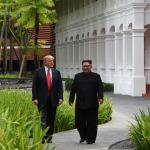 Film sahnesi değil gerçek: Donald Trump-Kim Jong-un bir araya geldi