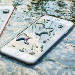 A'dan Z'ye: Suya düşen akıllı telefon 10 adımda nasıl kurtarılır?