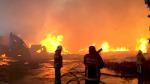 Esenyurt'ta 3 fabrikada yangın: Yangına 98 araç ve 180 personelle müdahale edildi