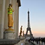 Sarı yeleklilerden Fransız ekonomisine 'darbe'