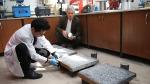 Atık lastikleri değerlendirdi, iletken beton üretti