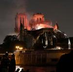 Sırp gazete katedraldeki yangının 'sırrını' buldu: Fransa'nın Kosova'yı tanıması