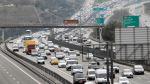 18 milyon öğrenci yola çıktı: Trafikte yoğunluk arttı