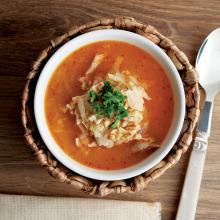 Tavuklu Bulgurlu Lahana Çorbası