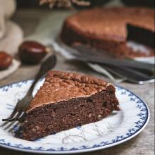 Kestane Unlu Çikolatalı Nemli Kek