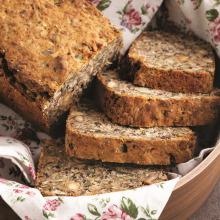Kuru Yemişli Mayasız Ekmek