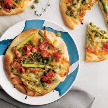 Bezelyeli ve Kuşkonmazlı Pizza