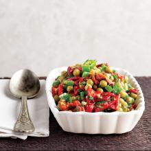 Köz Biberli Bezelye Salatası