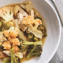 Tavuklu Acılı Brokoli Yemeği