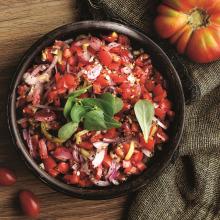 Sumaklı Domates Salatası