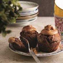Çikolatalı Cevizli ve Tahin Glazürlü Cupcake