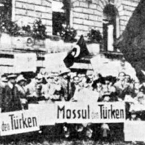 Musul sorunuyla ilgili Türk-İngiliz heyetleri arasında, Haliç Konferansı diye adlandırılan görüşmeler başladı