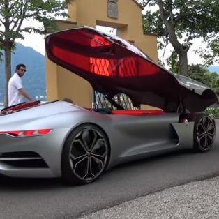 Son 3 yılın en prestijli elektrikli otomobili