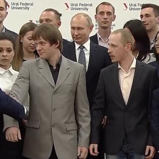 Putin'in 'boy hassasiyeti' öğrencilere yer değiştirdi!