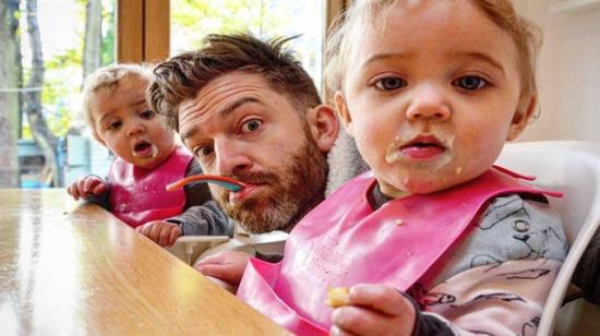 Instagram dünyasında 4 kızıyla fenomen olmuş çılgın baba