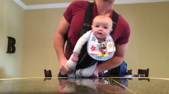 Babaya emanet edilen bebek!