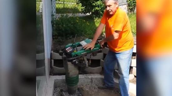 Yaşlı adamın zıp zıp makinesi ile imtihanı