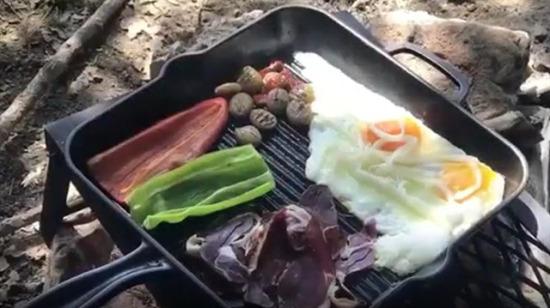 Göl kenarında hazırlanan nefis kahvaltı
