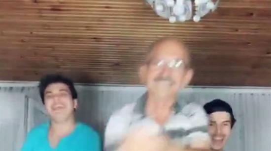 Kemal Kılıçdaroğlu dans ediyor