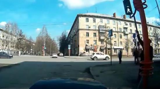 Bozuk trafik lambası nasıl tamir edilir?
