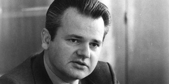 12 Şubat 2002 - Yugoslavya'nın eski DevletBaşkanı Slobodan Milošević'in yargılanması