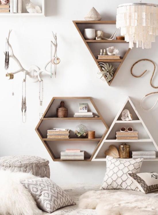 Geometrik şekilli kitaplık tasarımları