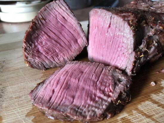 Pişip pişmediği tartışma konusu olabilecek biftek