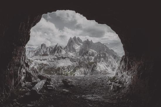 Puslu dağ mağarası