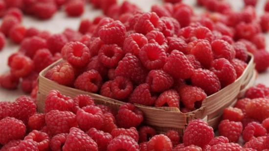 Ahududuyu hayatınızın en favori meyvesi yapacak 9 lezzet