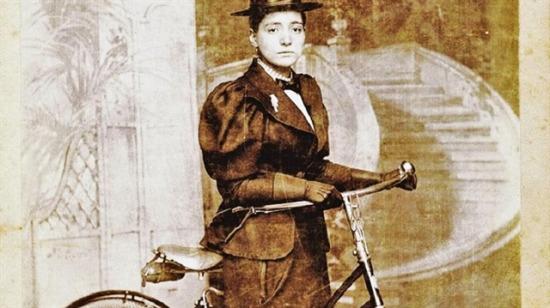 1894'de bisikletle dünyayı gezen ilk kadın: Annie Londonderry