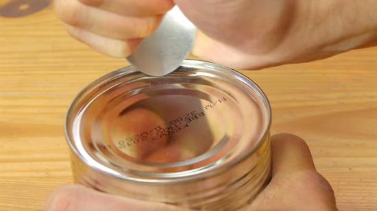 Kaşık kullanarak konserve kutusu açmayı hiç denediniz mi?