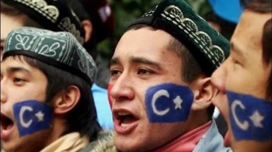 Çin, Doğu Türkistan'da yaşayan 10 milyon Uygur'dan pasaportlarını istedi