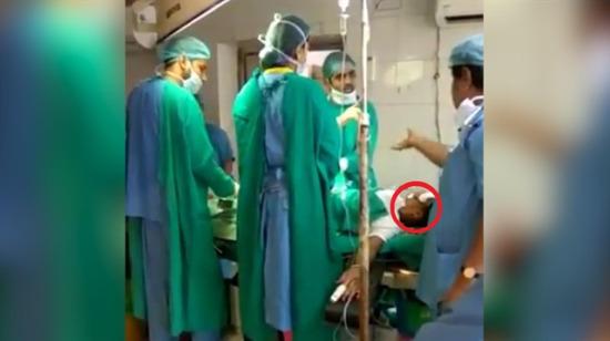 Ameliyat masasında kavga eden doktorlar