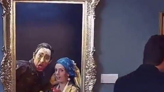 Müzede bir hareketlilik var...