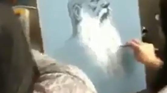 Bir adam ve onun farklı açılardan çizilmiş muazzam portreleri