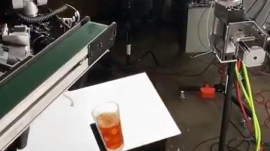 Buzlu kahve reklamının kamera arkası
