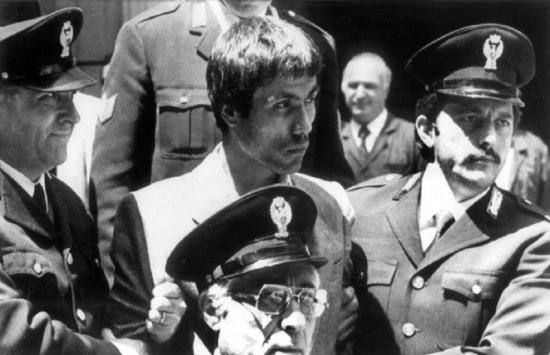 Papa II. Jean Paul'e suikast girişiminden dolayı İtalya'da tutuklanan Mehmet Ali Ağca Türkiye'ye iade edildi