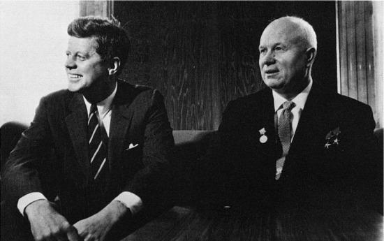 ABD ve SSCB arasında Kırmızı Telefon Antlaşması imzalandı