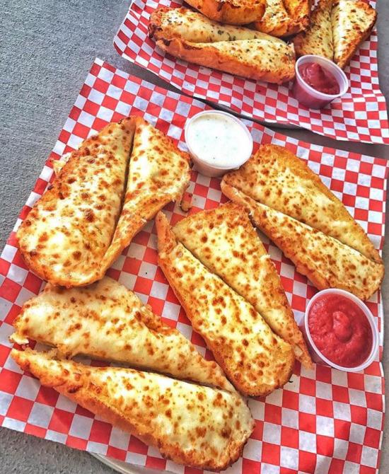 Peynirli ekmekler