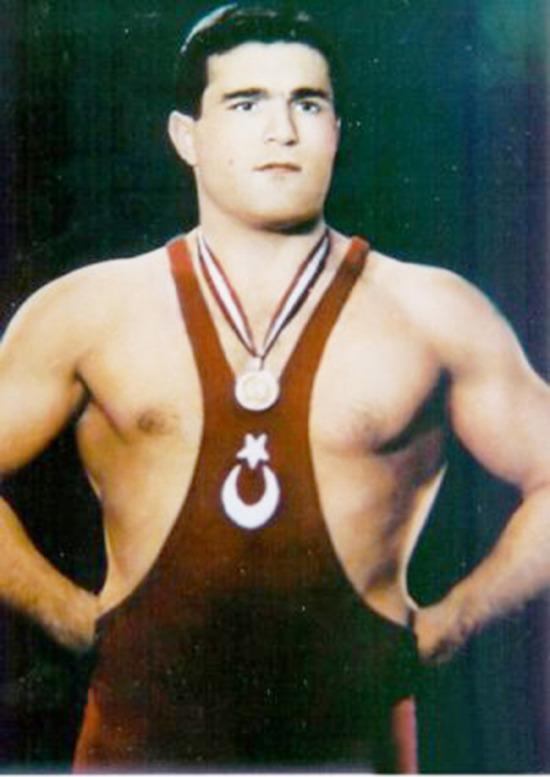 Berlin Olimpiyatları'nda Türkiye ilk madalyasını kazandı