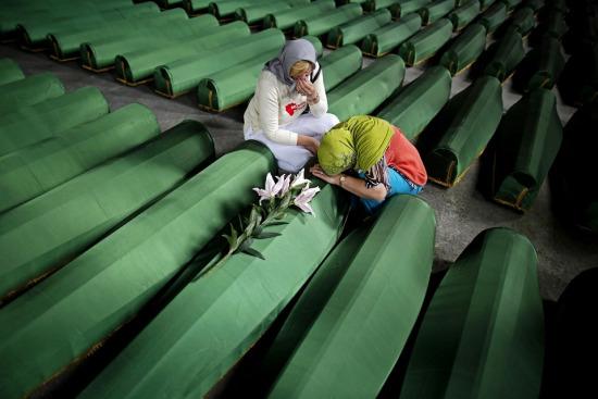 Srebrenitsa soykırımının üzerinden 23 yıl geçti