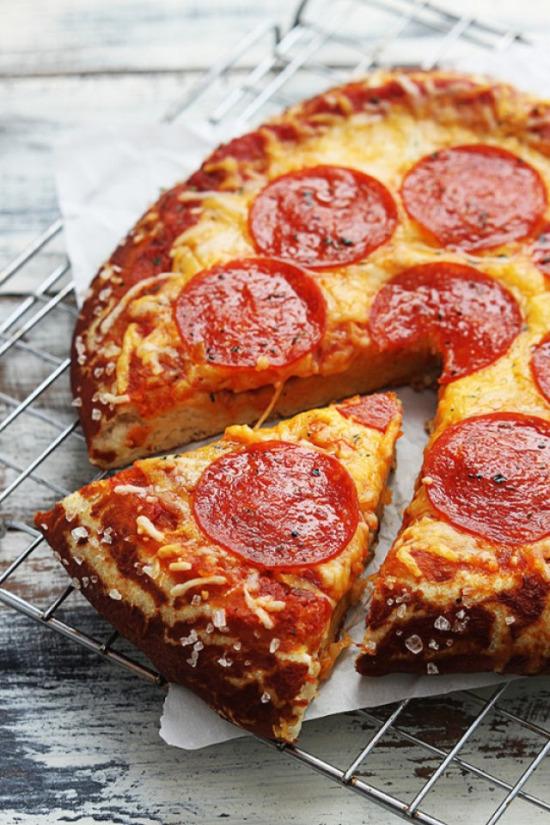Sucuklu mini pizza